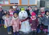 Neige et galettes à la Maternelle du Pradelet